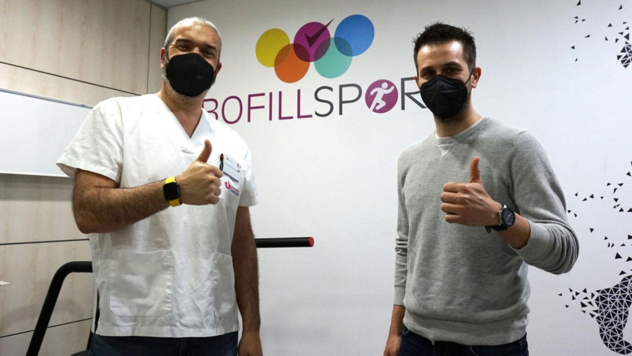 Dr. Dani Castillo amb l'Adrià Ferrer, president del Club Esportiu l'Escala