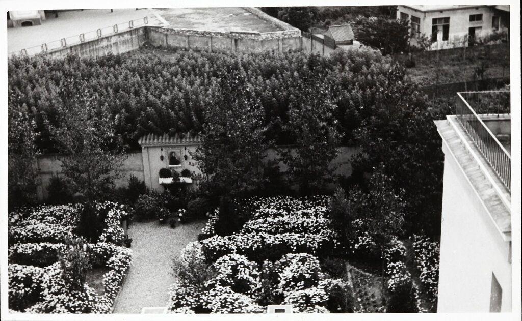 Pati exterior Clínica Sant Narcís 1962